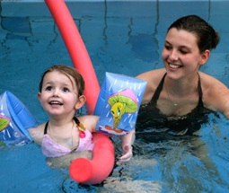 Kleinkinderschwimmen 15-30 Monate